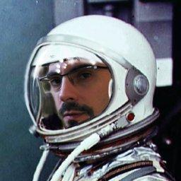 275140-astronaut.jpg